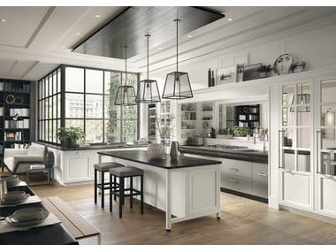 Cucina componibile in stile moderno con isola con maniglie Bellagio