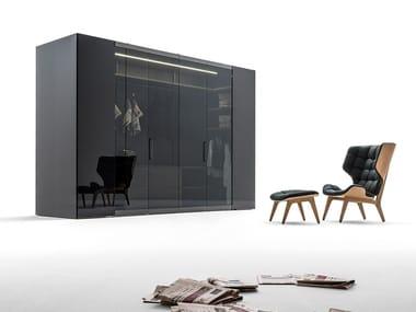 Begehbarer Kleiderschrank aus Holz und Glas CAMERINO | Begehbarer Kleiderschrank aus Holz und Glas