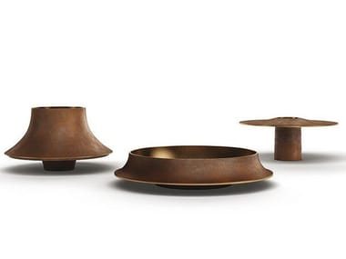 Bronze centerpiece CAP53