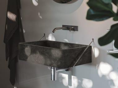 Lavabo rettangolare sospeso in marmo Petit Granit CARRARA OUTDOOR