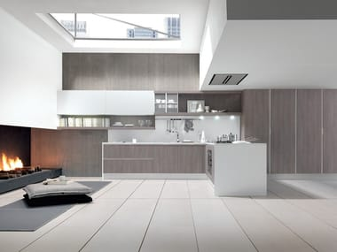 Lacquered fitted kitchen with peninsula CITY | Kitchen with peninsula