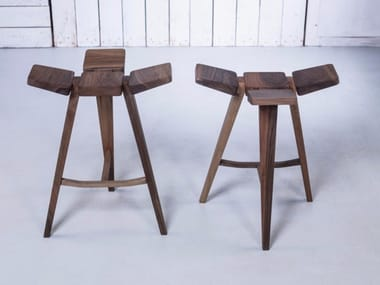 Low wooden barstool CLOVER | Low stool
