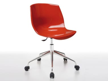 Ergonomic metal and polyurethane chair with castors COCOON | Chair with castors