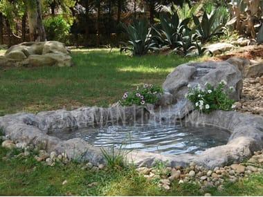 Fontana in pietra ricostruita con cascata LAGHETTI ARTIFICIALI COMPOSTI