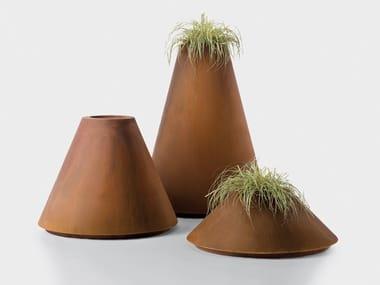 Cachepot in metallo per indoor e outdoor CONIQUE