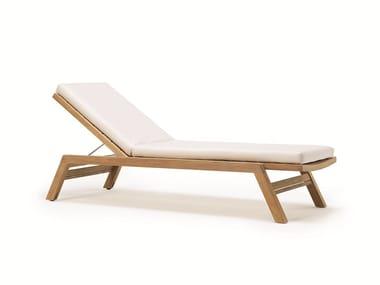 Lettino da giardino reclinabile in teak con ruote COSTES | Lettino da giardino