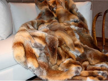 Natural fur throw and cushions COUNTRY