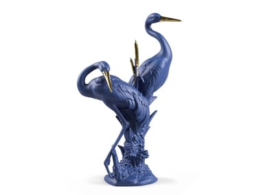 Porcelain decorative object COURTING CRANES - BLUE AND GOLD