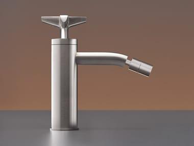 Miscelatore per lavabo idroprogressivo in acciaio inox con bocca orientabile CROSS 42