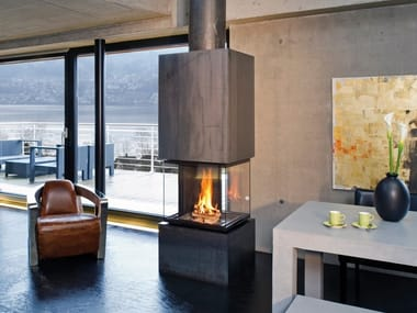Wood-burning steel fireplace with panoramic glass CUBEO