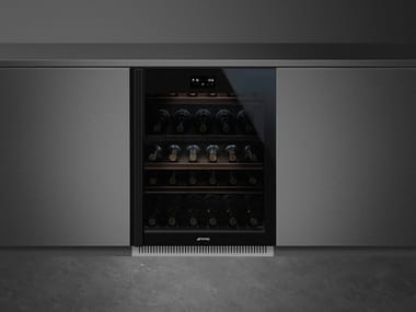 Built-in glass wine cooler Class A CVI638-WN2
