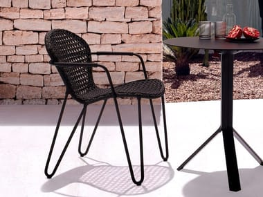 Stackable aluminium chair with armrests FIZZ | Chair