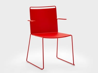 Stackable metal chair with armrests DAISY METAL | Sled base chair
