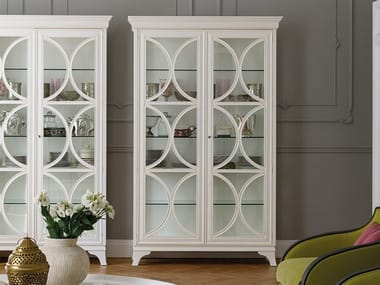 Lacquered wood and glass display cabinet DAMA | Display cabinet