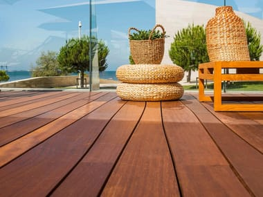 Decking in iroko DECK6