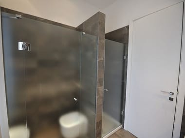 Niche shower cabin with hinged door DECORFLOU® CLASSIC