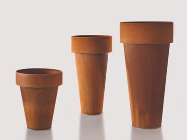 Vaso in metallo DELTA & OMEGA