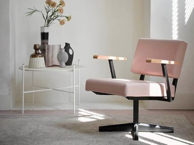 Easy chair with 4-spoke base with armrests DF28