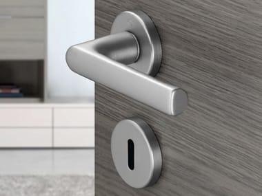Poignée de porte en aluminium sur rosace avec serrure HAMBURG | Poignée de porte