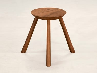 Low teak stool DW 01
