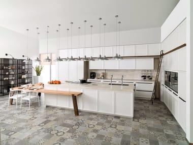 Kitchen with island E4.40