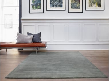 Solid-color handmade wool rug EARTH