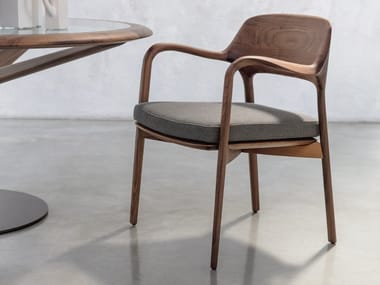 Solid wood chair with armrests ELLA