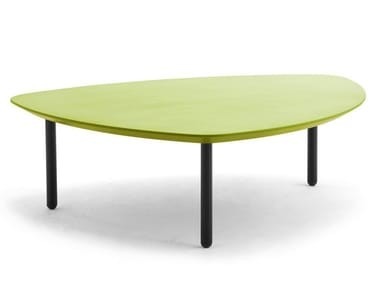 Low lacquered triangular steel and MDF coffee table EOS | Low coffee table