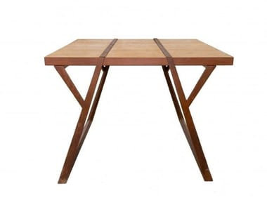 Square corten and wood table EQUILIBRI