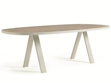 Table de jardin ovale en teck ESEDRA | Table ovale