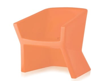 Polyethylene chair with armrests EXOFA