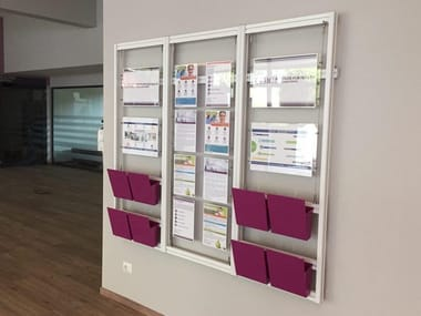 Wall-mounted one-sided metal display unit for brochures Espositore per segnaletica e opuscoli