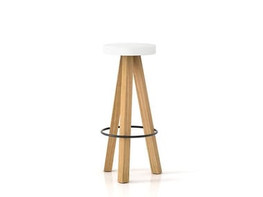 Trestle-based solid wood barstool FLAK | Stool