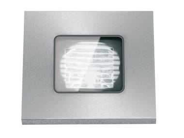 Segnapasso a LED a pavimento in metallo per esterni FLEA.Q35