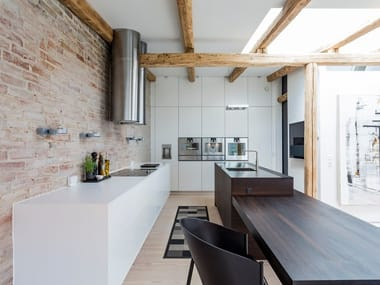 Custom kitchen with island FORM 45 SMOKED OAK / FORM 2 CHALK WHITE