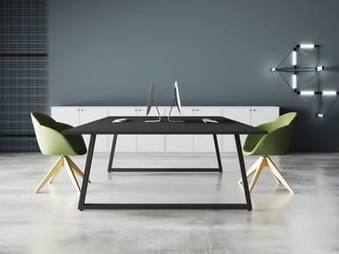 Square meeting table FUSION | Meeting table