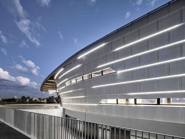 Stretched mesh for facade finish Façades