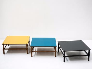Square wooden coffee table GIO