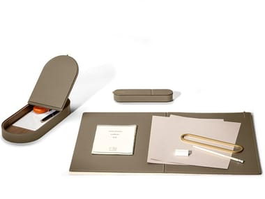 Tanned leather desk set GLI OGGETTI - ZHUANG DESK