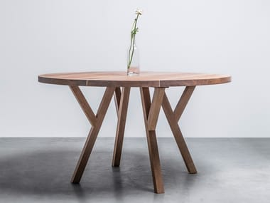 Round wooden table made of solid oak GLORIA