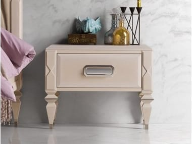 Square wooden bedside table with drawers GRAN DUCA | Bedside table