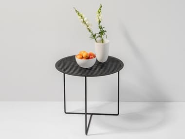 Mesita redonda de chapa GRID SIDE TABLE #01