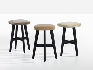 Upholstered stool GYPSY
