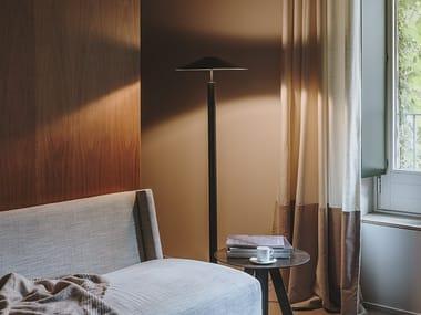 Lampada da terra a LED in acciaio H | Lampada da terra