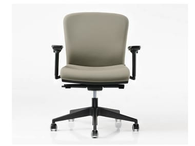 Task chair with 5-Spoke base with armrests HALFPIPE | Task chair with 5-Spoke base