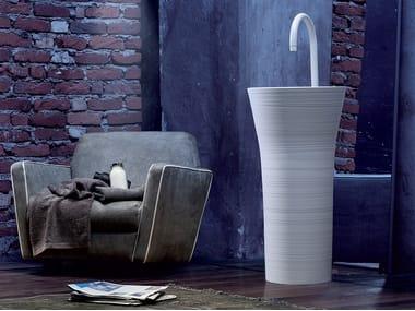 Freestanding round Ceramilux® washbasin HANDMADE | Freestanding washbasin