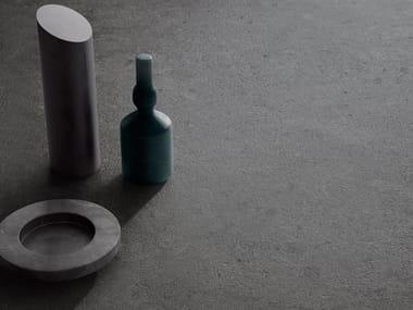 Pavimento/rivestimento in gres porcellanato effetto pietra HIGHSTONE DARK