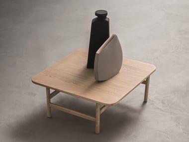 Square oak coffee table HOOD | Square coffee table