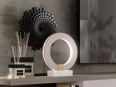 Lampada da tavolo a LED in marmo HYATT