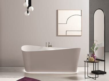Oval bathtub INFINITIVE